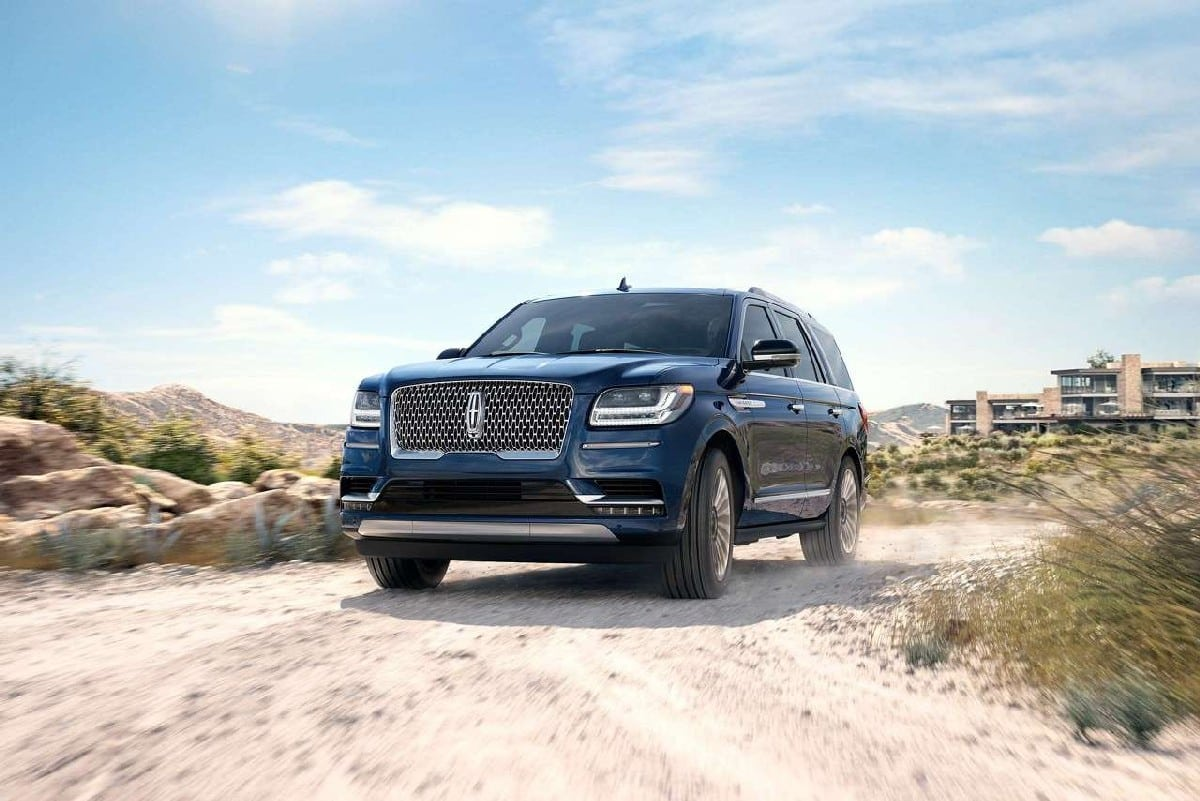 Lincoln Commences Deliveries Of Navigator In UAE