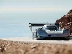 Volkswagen Sets New Record At Pikes Peak